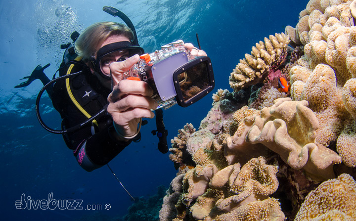 Buoyancy control for underwater photographers